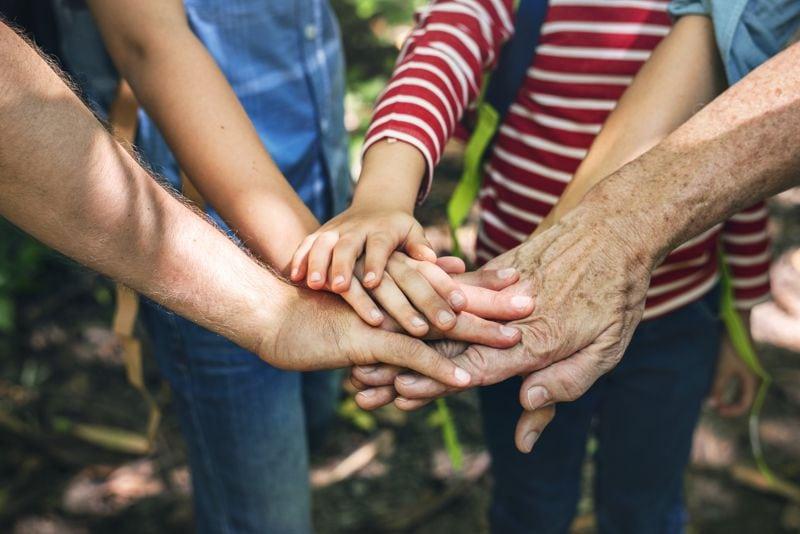 Familia unida em um objetivo em comum
